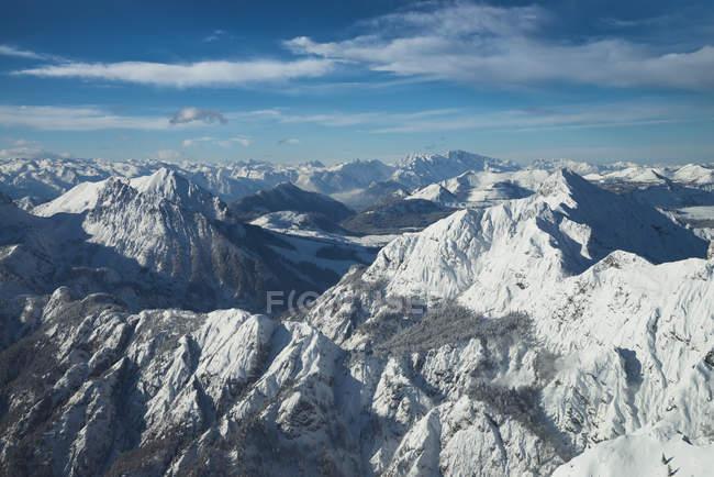 Австрия, Зальцкаммергут, альпийский пейзаж зимой — стоковое фото