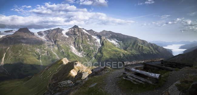 Autriche, État de Salzbourg, Vue de Edelweissspitze à Grossglockner, Grosser Wiesbachhorn — Photo de stock