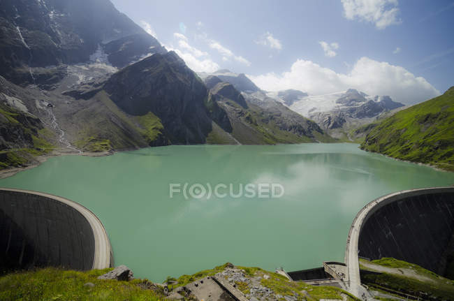 Austria, Kaprun, Mooserboden dam with walls — Stock Photo