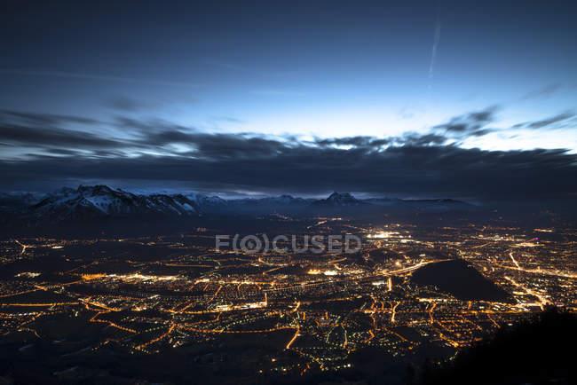 Austria, Salzburg, cityscape at night — стокове фото