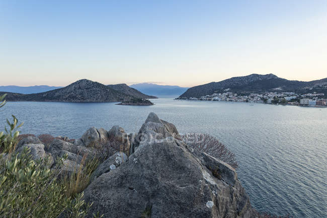 Greece, Peloponnese, Arcadia, View to Tolo and Island — Stock Photo