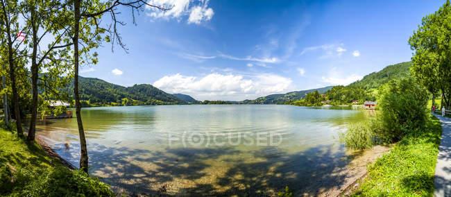 Germany, Bavaria, Lake Schliersee at daytime — Stock Photo