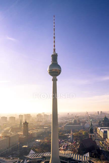 Allemagne, Berlin, Berlin-Mitte, Berlin TV Tower le matin — Photo de stock