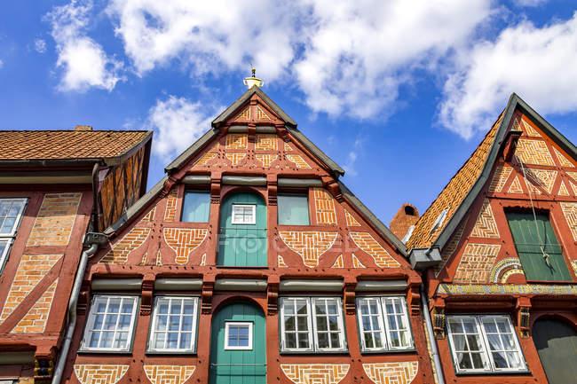 Alemania, Baja Sajonia, Lueneburgo, Casco antiguo, Casas a dos aguas - foto de stock