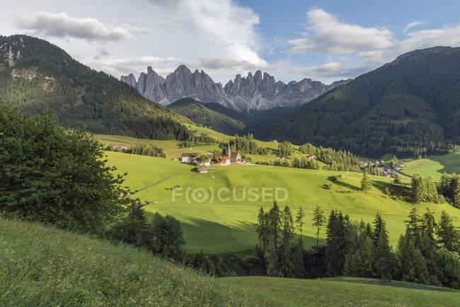 Italie, Alpes, Dolomites, Santa Magdalena, Vallée de Vilnoess — Photo de stock