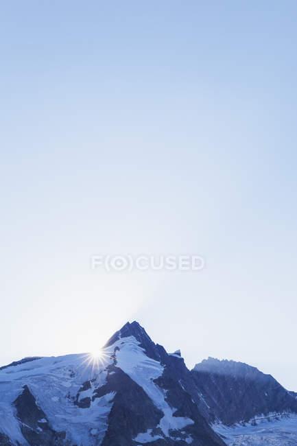 Австрія, Каринтія, sundown, останні сонячні промені дня на піку Гроссглокнер високого національного парку Тауерн — стокове фото