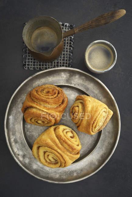 Крупным планом домашней выпечки Franzbroetchen — стоковое фото