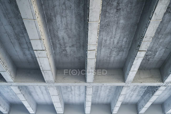 Concrete ceiling from below — Stock Photo