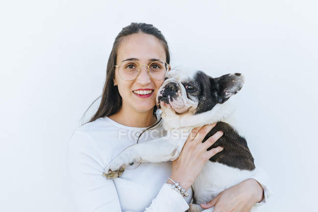 Portrait of woman next to her dog — Stock Photo