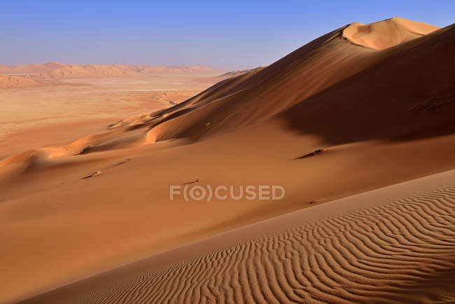 Oman, Dhofar, sand dunes in the Rub al Khali desert — Photo de stock
