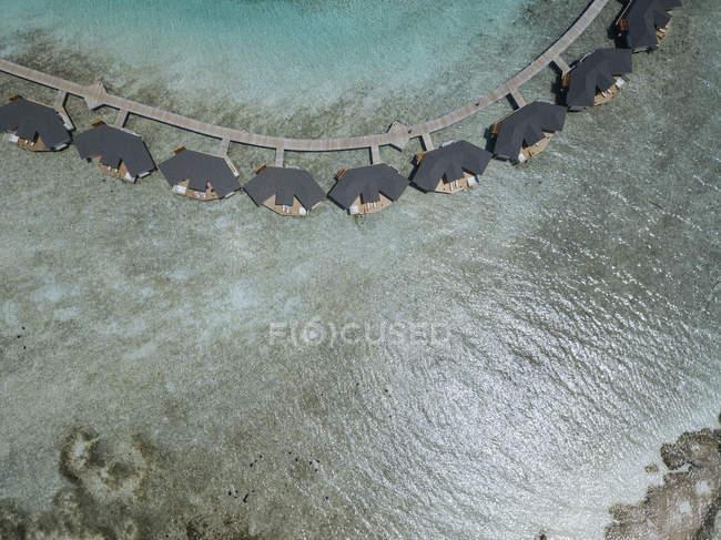 Maldive, Veduta aerea dei bungalow acquatici — Foto stock