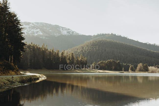 Франція, французькі Піренеї, озеро в денний час — стокове фото