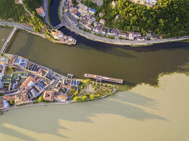Alemanha, Baviera, Passau, confluência de três rios, Danúbio, Inn e ILZ — Fotografia de Stock