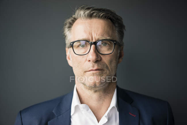 Portrait of serious mature businessman — Stock Photo