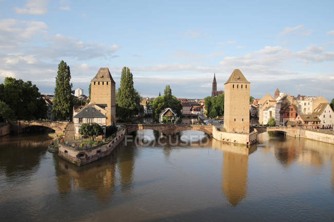 France, Alsace, Strasbourg, Old town, covered bridges, Ponts couverts — Foto stock