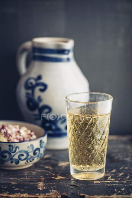 Стекло гессианского сидра в стекле — стоковое фото