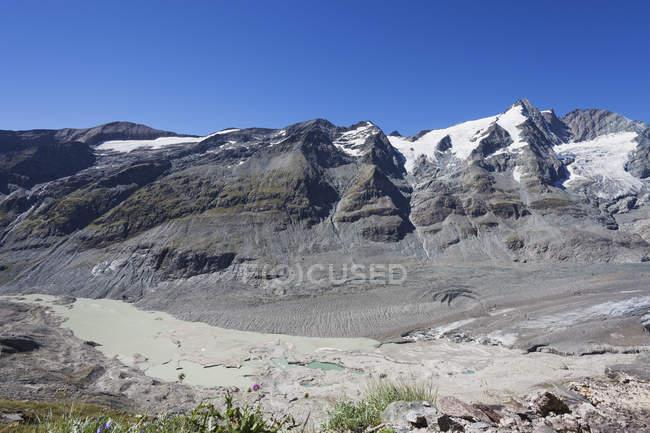 Австрія, Каринтія, Національний парк Високий Тауерн, пік Гроссглокнер і Pasterze льодовик, вид з кайзера-Франца-Йосифа-Hoehe — стокове фото