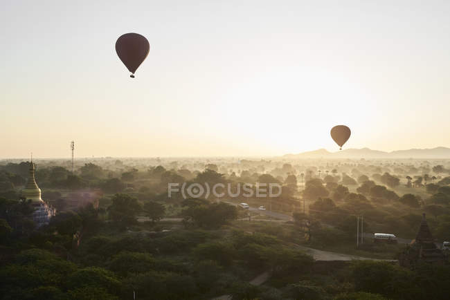 Myanmar, Bagan, Hot air balloons at sunrise — Stock Photo