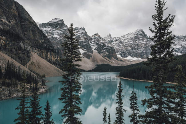 Canadá, Alberta, Valley of the Ten Peaks, Banff National Park, Moraine Lake — Fotografia de Stock