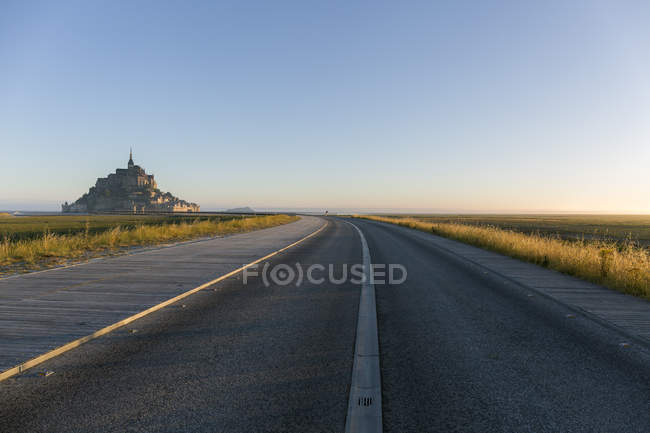 France, Normandy, Road to Mont Saint-Michel — Stock Photo