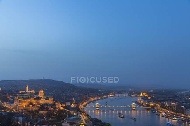 Hungary, Budapest, Buda and Pest, Danube river, Budapesti Torteneti Muzeum — Stock Photo