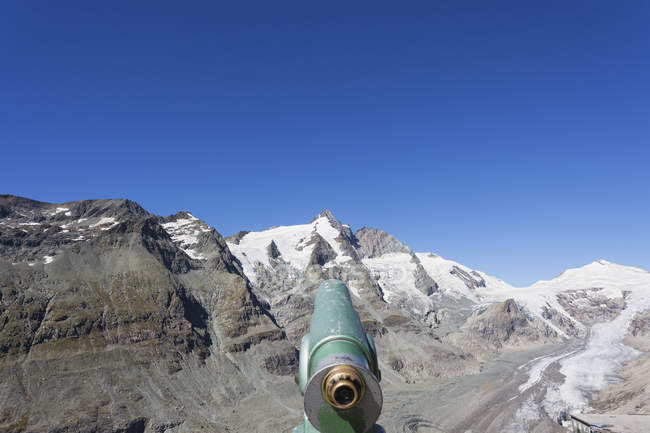 Autriche, Carinthie, High Tauern National Park, Grossglockner peak, Pasterze glacier et Johannisberg, télescope — Photo de stock