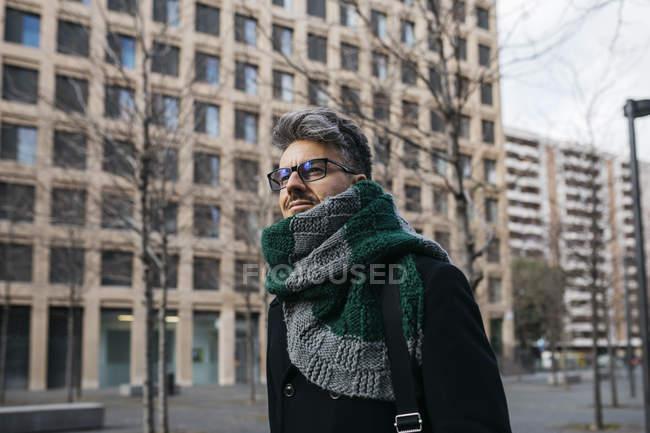 Портрет бізнесмена в місті. — стокове фото