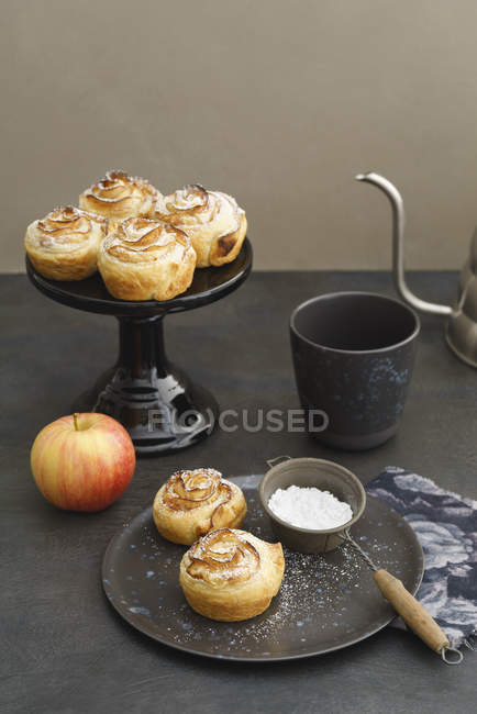 Home-baked apple tarts with rose pattern — Stock Photo
