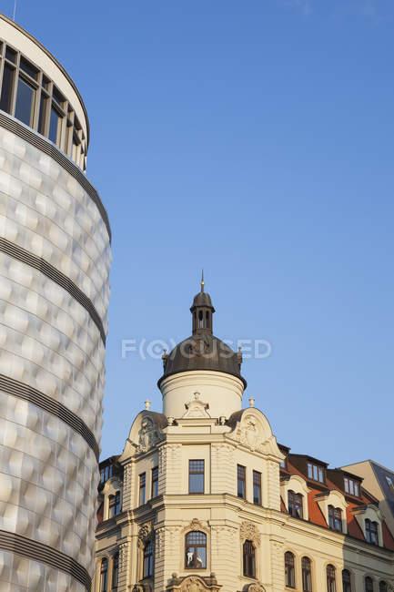 Germania, Lipsia, parte della facciata storica del centro commerciale 'Hoefe am Bruehl — Foto stock