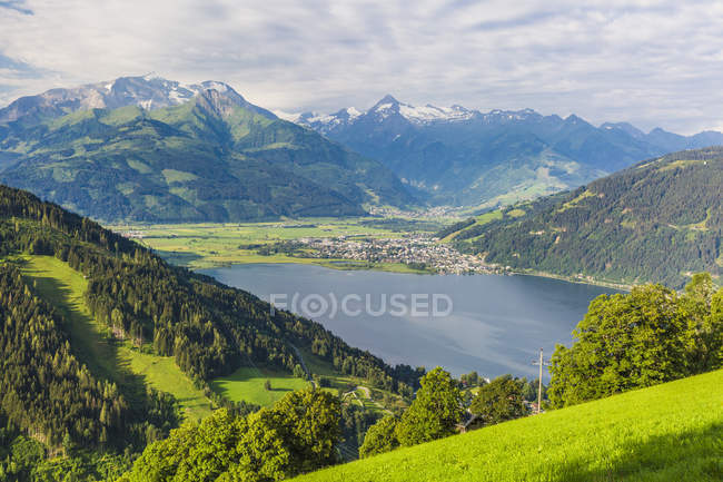 Austria, Salzburg State, Zell am See, Zell lake - foto de stock