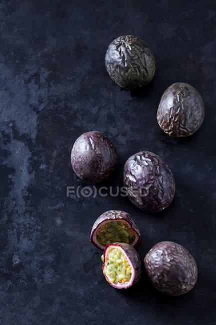 Fruta de la pasión, de cerca - foto de stock