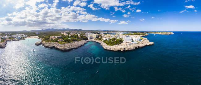 Spagna, Maiorca, Portocolom, Veduta aerea di Punta des Jonc, Baia di Cala Marcal — Foto stock