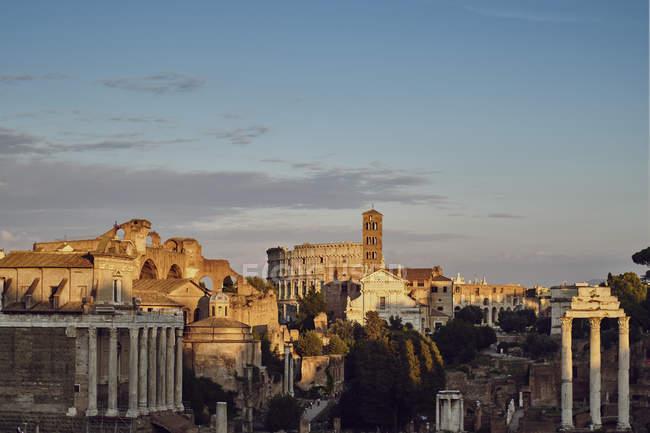 Італія, Лаціо, Рим, Cityview, Колізей — стокове фото