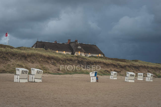 Germany, Schleswig-Holstein, Sylt, Rantum, house on West beach — Stock Photo