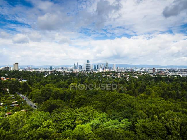 Deutschland, Frankfurt, Skyline bei Tag — Stockfoto