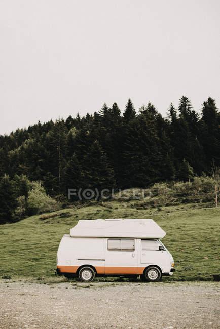 Франція, Караван на придорожніх — стокове фото
