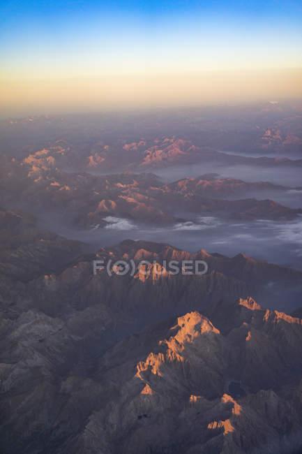 Montagnes vues de l'avion — Photo de stock