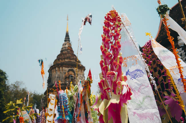 Thailand, Chiang Mai, Decorations to celebrate the New Year at the Wat Lok Moli Buddhist temple — Stock Photo