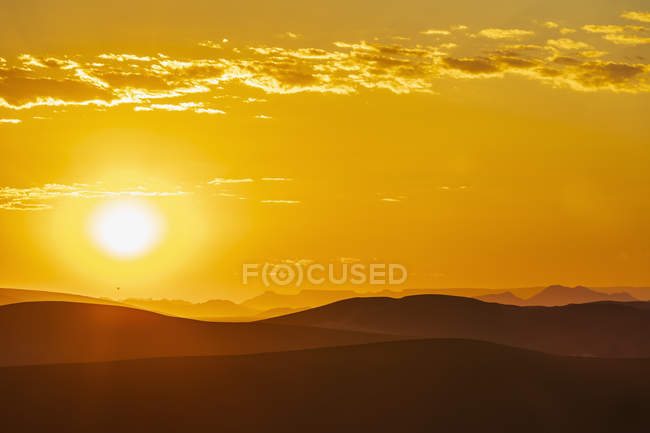 Africa, Namibia, Namib desert, Naukluft National Park, sand dunes at sunrise — Stock Photo