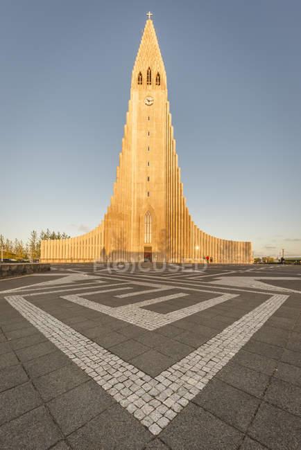 Iceland, Reykjavik, hallgrmskirkja at daytime — стоковое фото