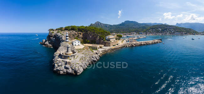 Spain, Balearic Islands, Mallorca, Serra de Tramuntana, Port de Soller, panoramic view — стоковое фото