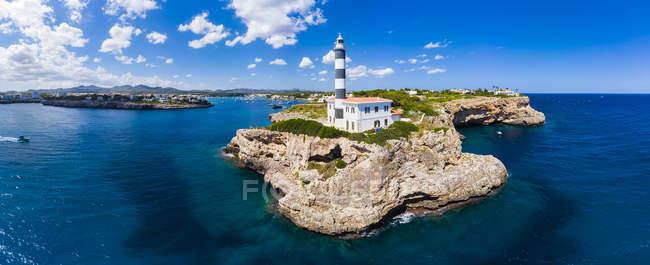Spagna, Maiorca, Portocolom, Punta de ses Crestes, Cala Parbacana, Faro — Foto stock