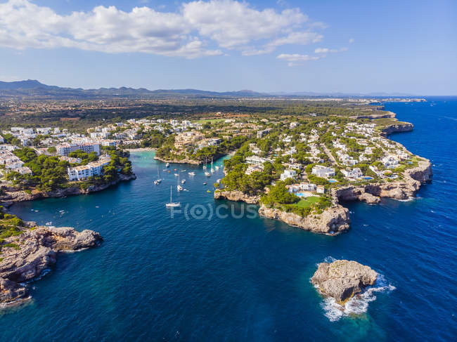 Spain, Mallorca, Portocolom, Aerial view of Cala d'Or and bay Cala Ferrera — стоковое фото