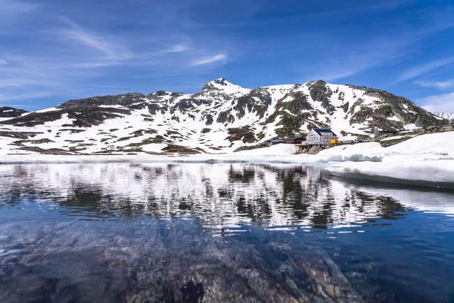 Schweiz, Wallis, Berner Alpen, Totensee — Stockfoto