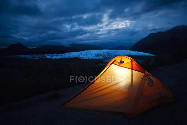 EUA, Alasca, barraca ilumina no Glaciar Matanuska — Fotografia de Stock