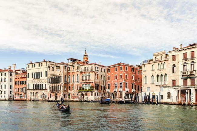 Italien, Venedig, Canale Grande bei Tag — Stockfoto