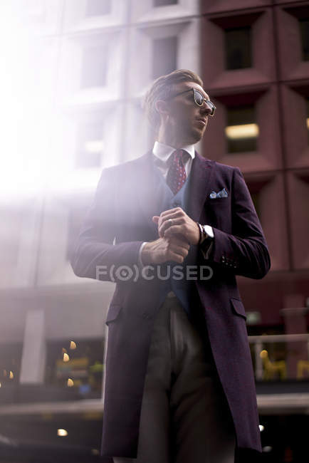 Fashion blogger Steve Tilbrook waiting — Stock Photo
