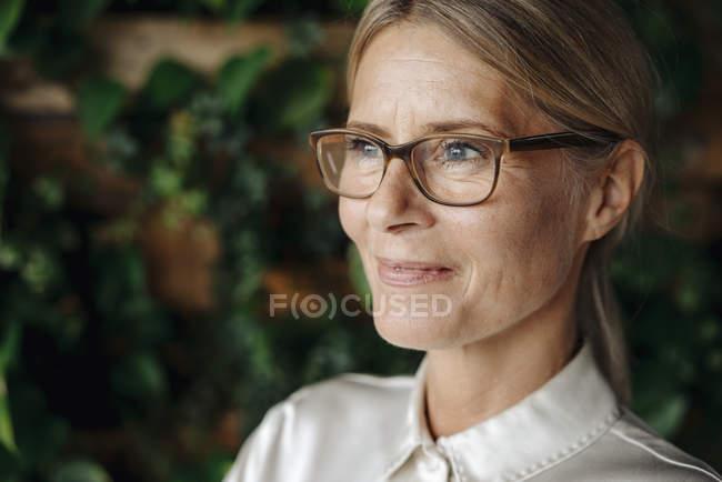 Ritratto di donna d'affari sicura — Foto stock