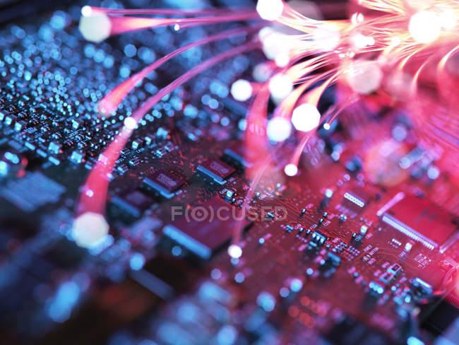 Внутри ноутбука, материнской платы и электронных компонентов — стоковое фото