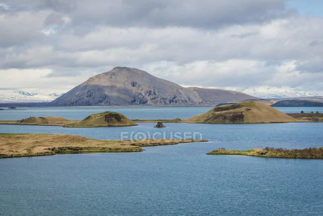Iceland, pseudocrater in lake Myvatn — Fotografia de Stock